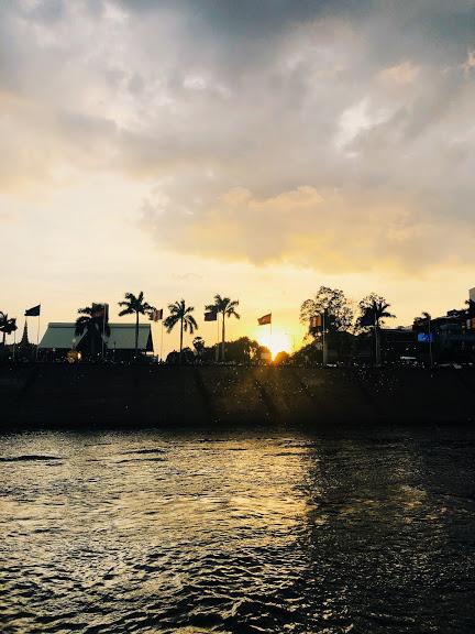 Sunset Boat trip in Phnom Penh